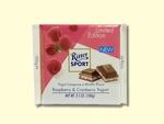 Шоколад Ritter Sport молочный с малиной и клюквой